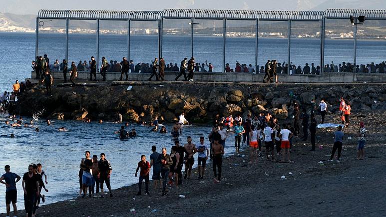 بیش از ۵ هزار پناهجو در یک روز وارد شهر سئوتای اسپانیا شدند